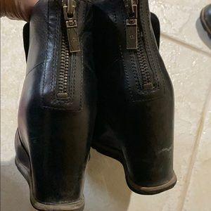 Ugg Amal boots size 9.5